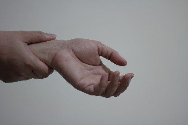 Mains de femmes | Photo : Photos du domaine public