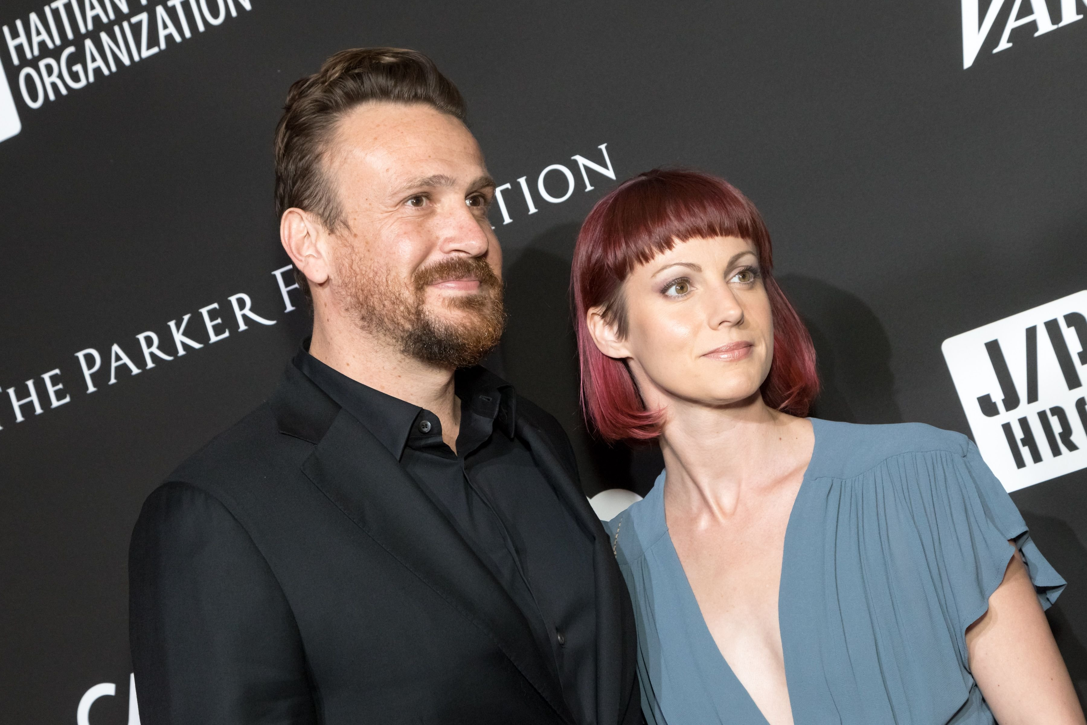 Jason Segel and Alexis Mixter at the SEAN PENN J/P HRO GALA at Milk Studios on January 6, 2018 | Photo: Getty Images