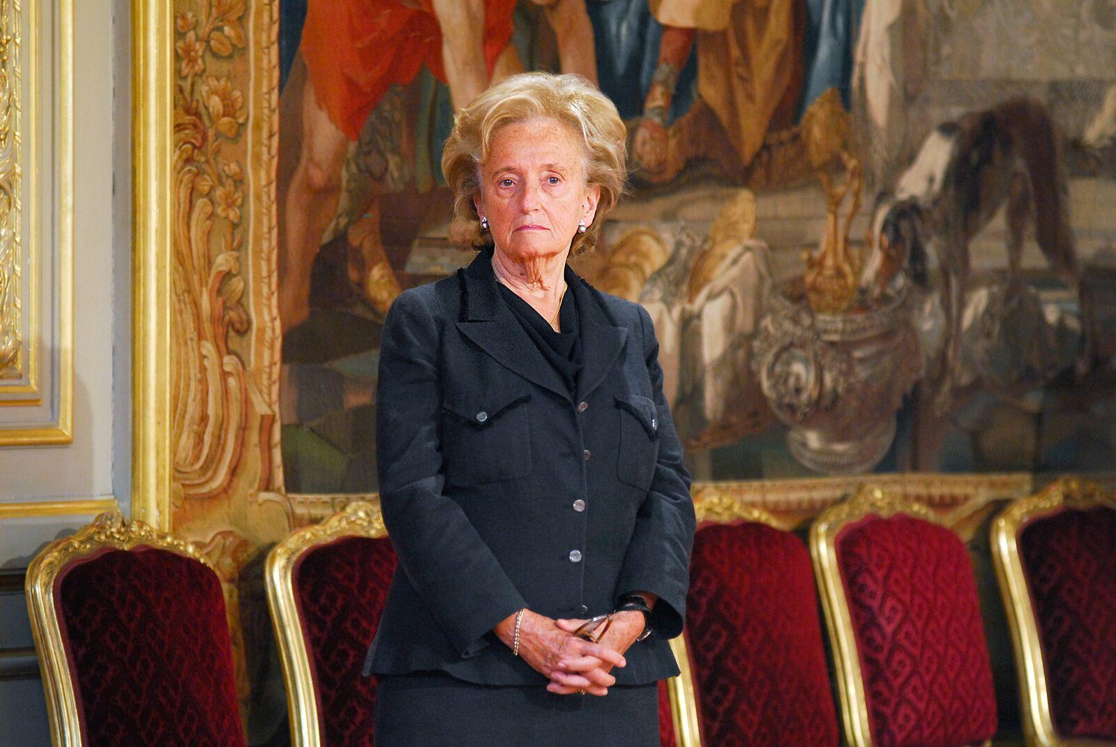 Bernadette, l'épouse de l'ancien président français Jacques Chirac, pose au Palais de l'Elysée. | Photo : GettyImage