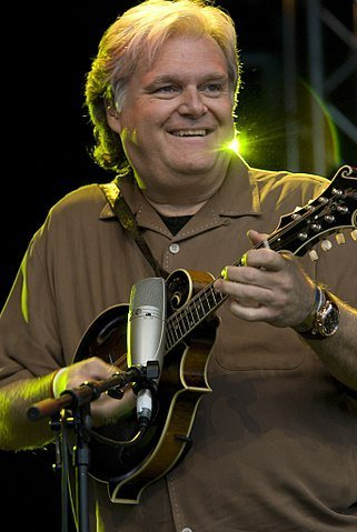 Ricky Skaggs at the Cambridge Festival in 2007. | Source: Wikimedia Commons.