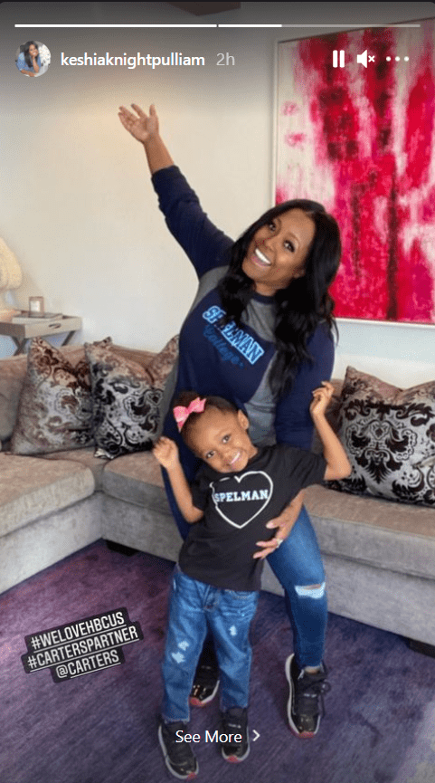 Keshia Knight Pulliam shares a picture with her daughter Ella Grace in matching shirts and jeans. | Photo: Instagram/Keshiaknightpulliam