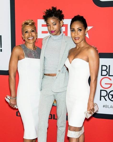 Adrienne Banfield-Jones, Jada Pinkett Smith and Willow Smith attend the BET's 'Black Girls Rock!' Red Carpet at NJ Performing Arts Center in Newark, New Jersey. | Photo: Getty Images