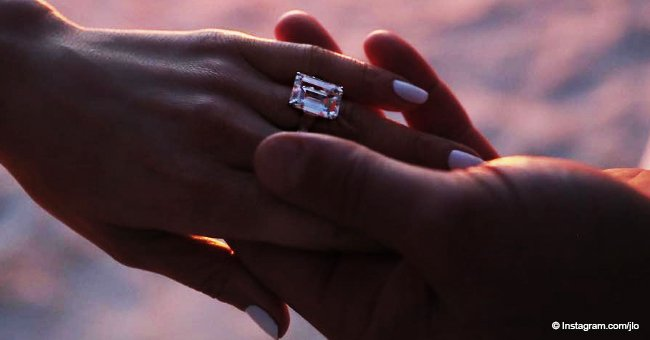Alex Rodríguez le pide matrimonio a Jennifer López con un enorme anillo