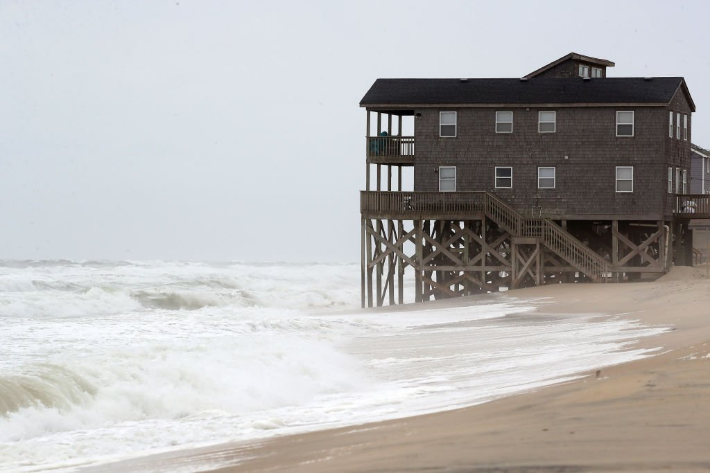 A portrait of a beach house close to the shores on September 5, 2019 | Photo: Getty Images