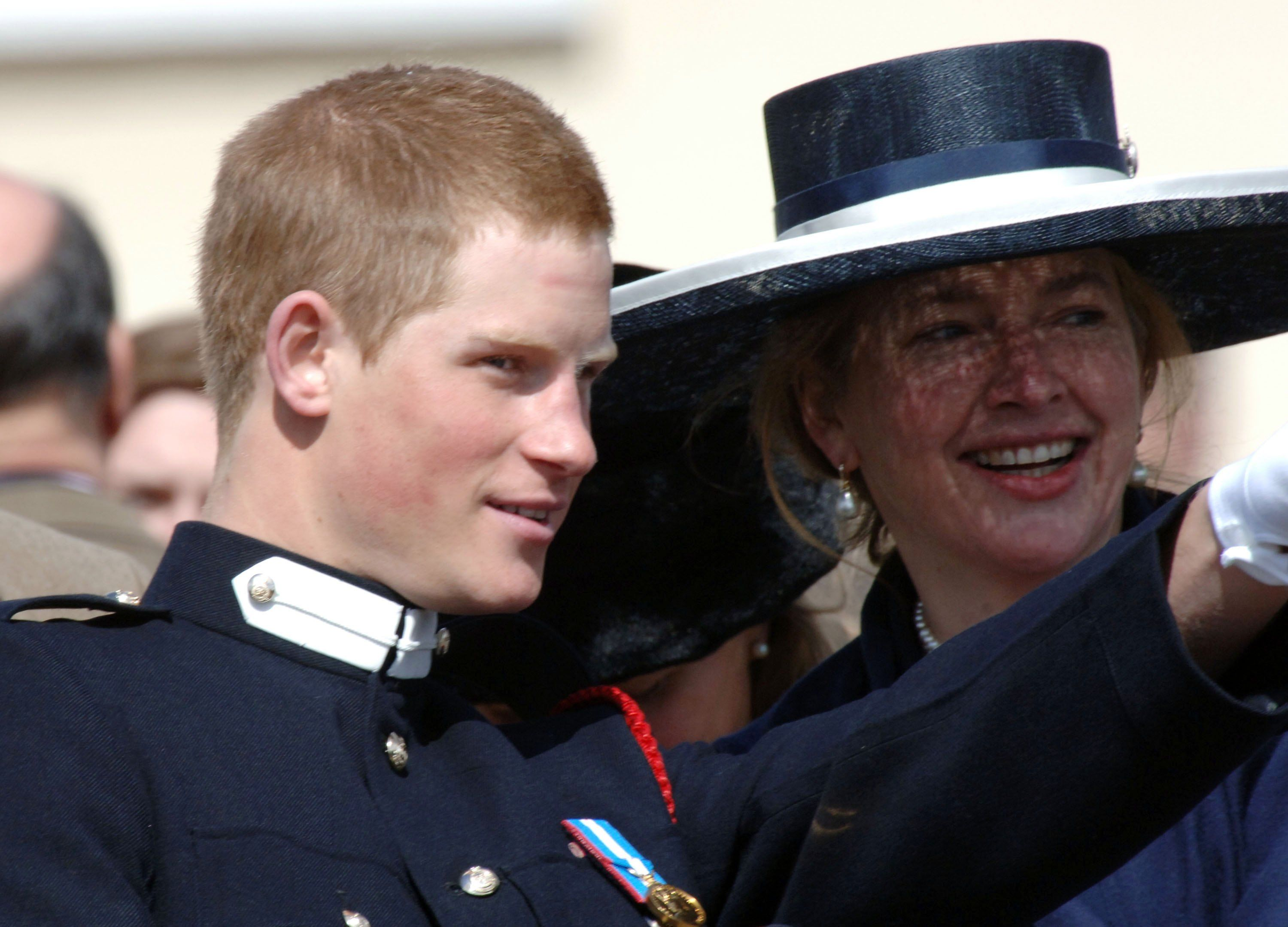 SANDHURST, ENGLAND - APRIL 12: Prince Harry talks to his former nanny Tiggy Legge-Bourke at his passing-out Sovereign's Parade at Sandhurst Military Academy on April 12, 2006 in Sandhurst, England.   Foto von: Anwar Hussein/Getty Images