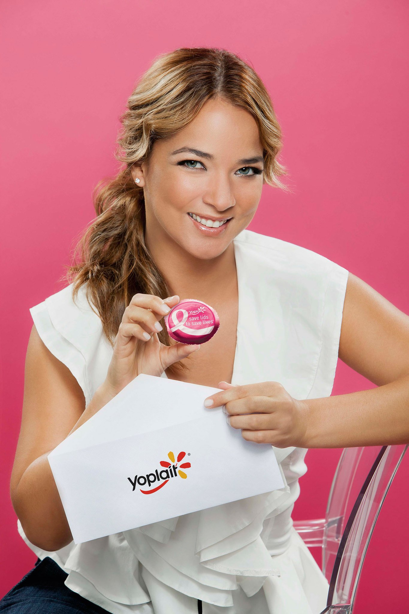Adamari López para Save Lids to Save Lives(R) de Yoplait. | Imagen: Flickr