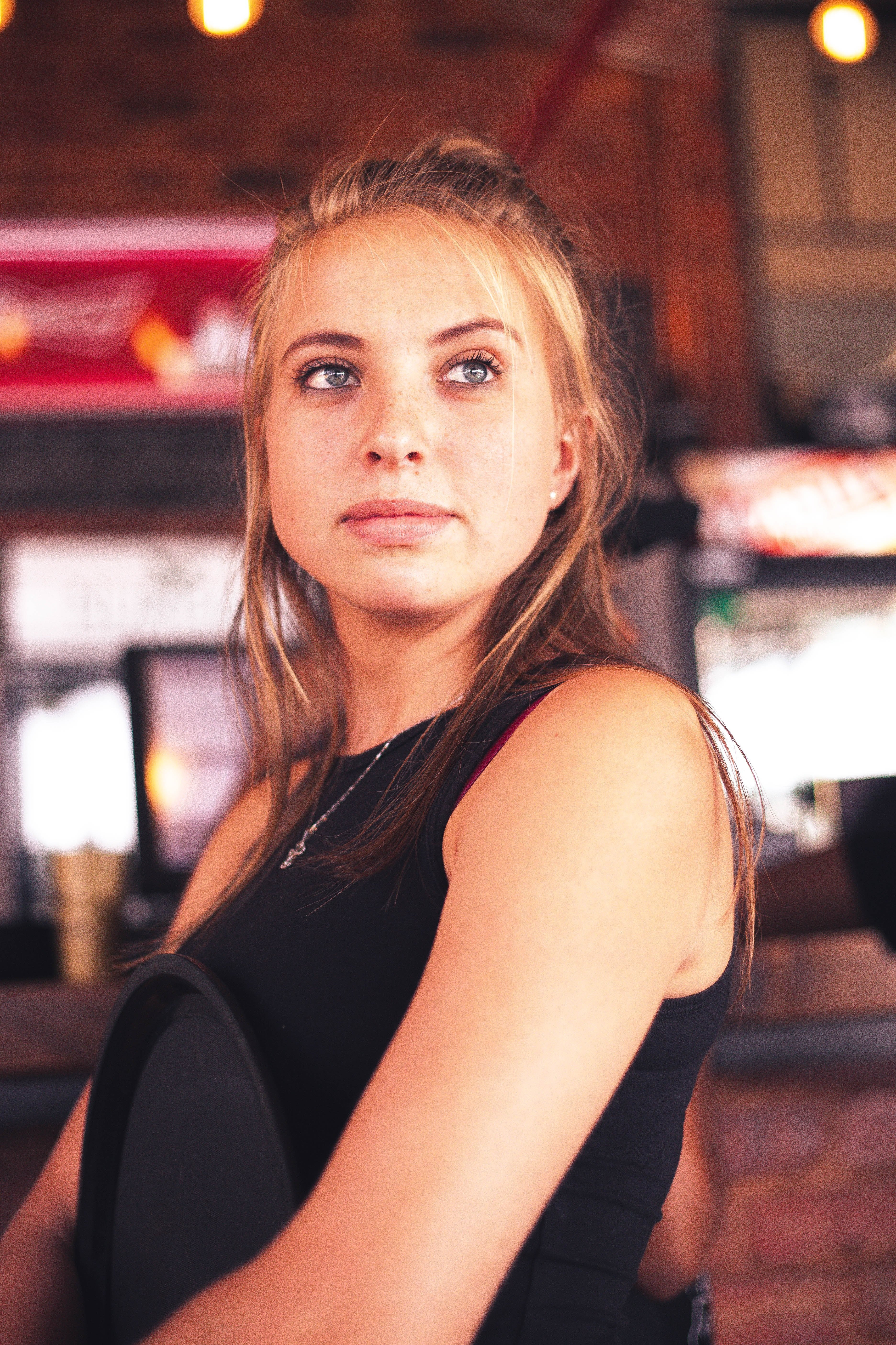 A waitress in a restaurant. | Source: Unsplash