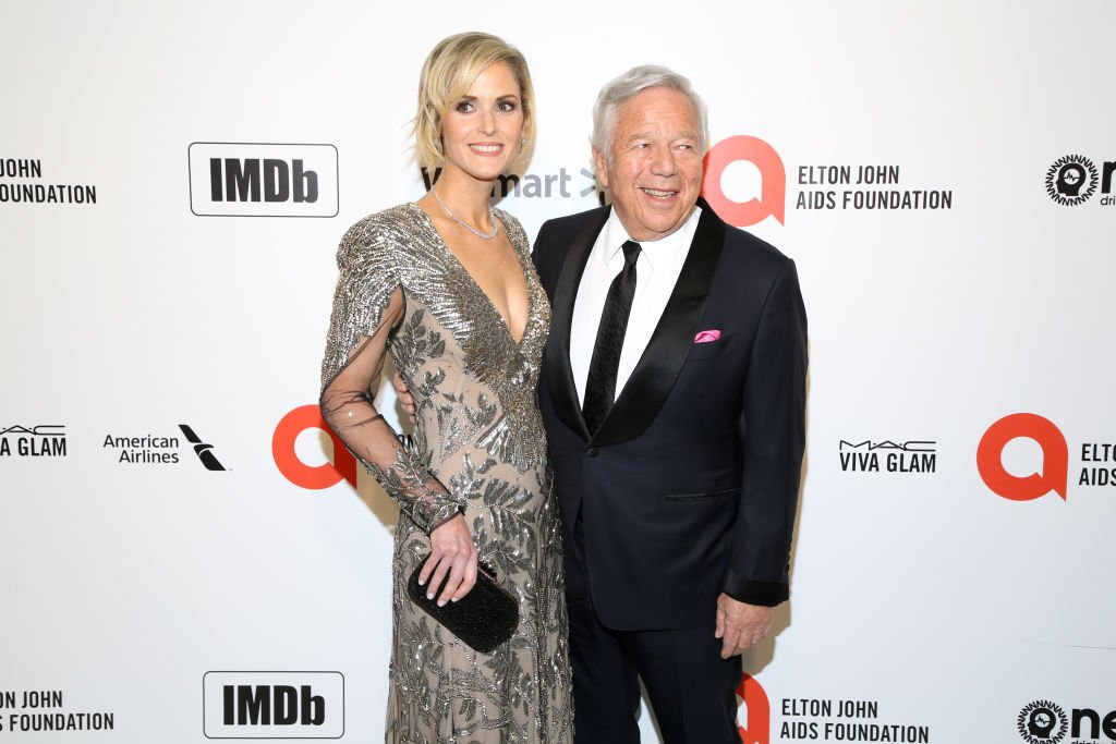 Dana Blumberg and Robert Kraft at the 28th Annual Elton John AIDS Foundation Academy Awards Viewing Party on February 09, 2020 | Photo: Getty Images