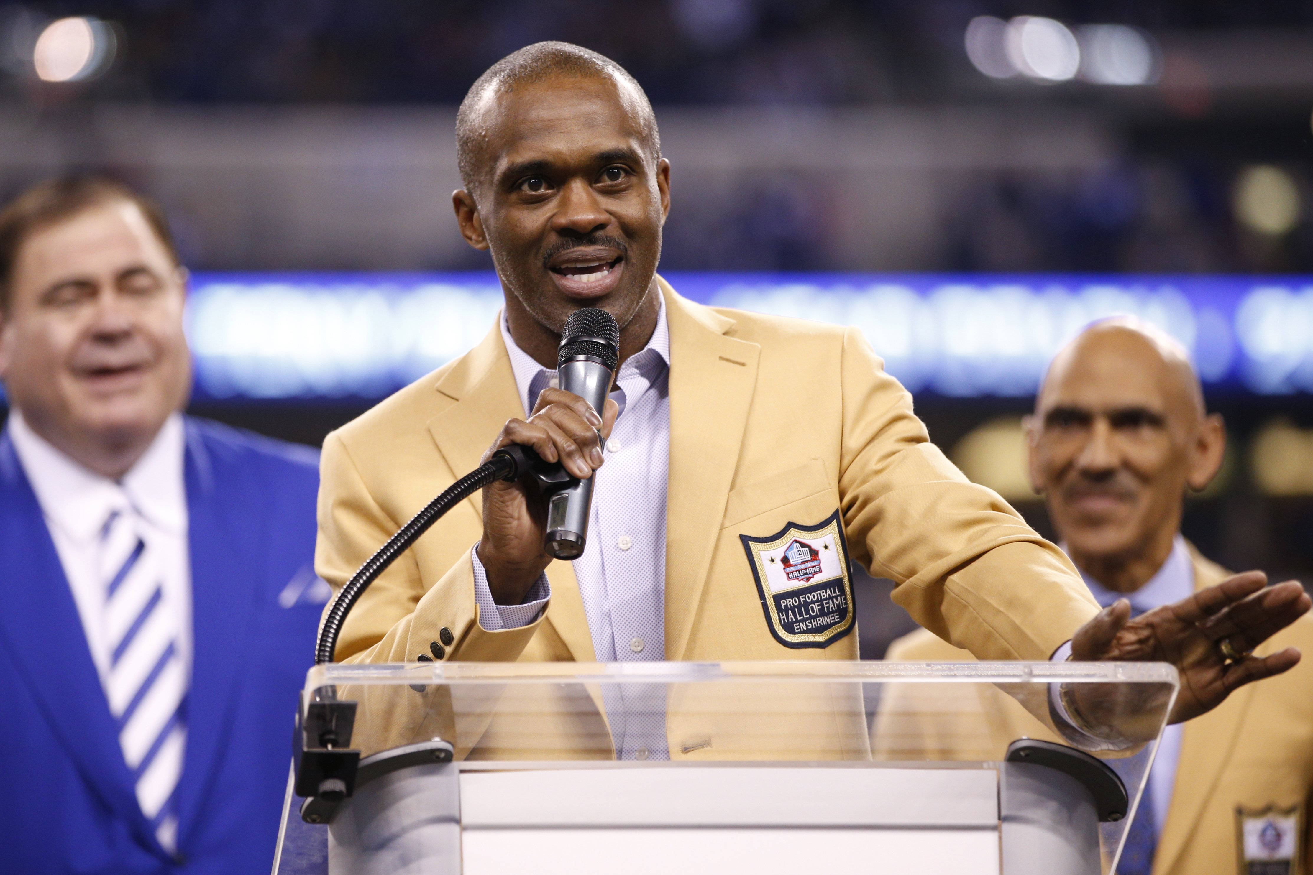 Marvin Harrison speaks during a halftime ceremony to present his Pro Football Hall of Fame ring during the game against the Pittsburgh Steelers at Lucas Oil Stadium on November 24, 2016 in Indianapolis, Indiana   Photo: GettyImages