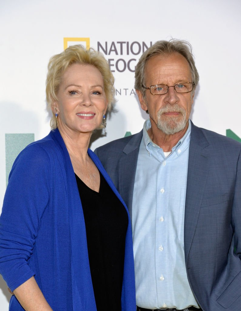 Jean Smart and Richard Gilliland arrive at the premiere of National Geographic Documentary Films' 'Jane' at the Hollywood Bowl on October 9, 2017   Photo: Getty Images