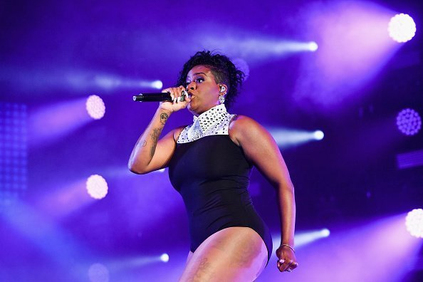 Fantasia performing onstage during the 2018 Essence Festival at the Mercedes-Benz Superdome in New Orleans, Louisiana.| Photo: Getty Images.