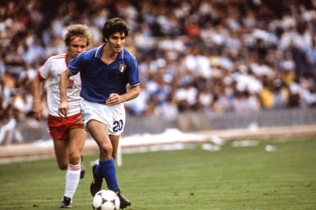 Paolo Rossi of Italy during the FIFA World Cup Semi Final 1982 match between Italy and Poland, at Camp Nou, Barcelona, Spain on 8 July 1982 | Photo: Getty Images