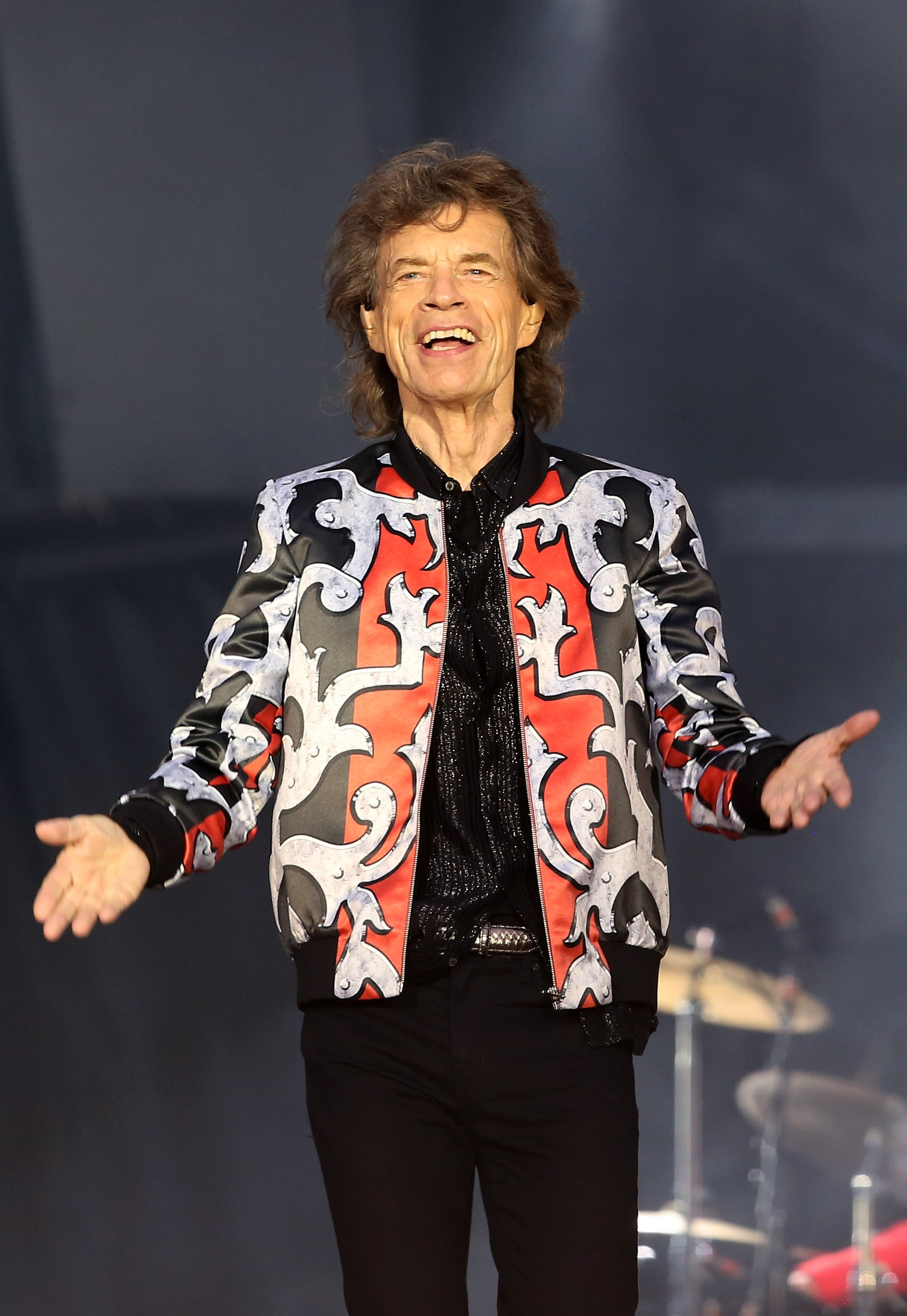 """Mick Jagger performs on stage at the """"No Filter"""" tour in London, England on May 25, 2018 