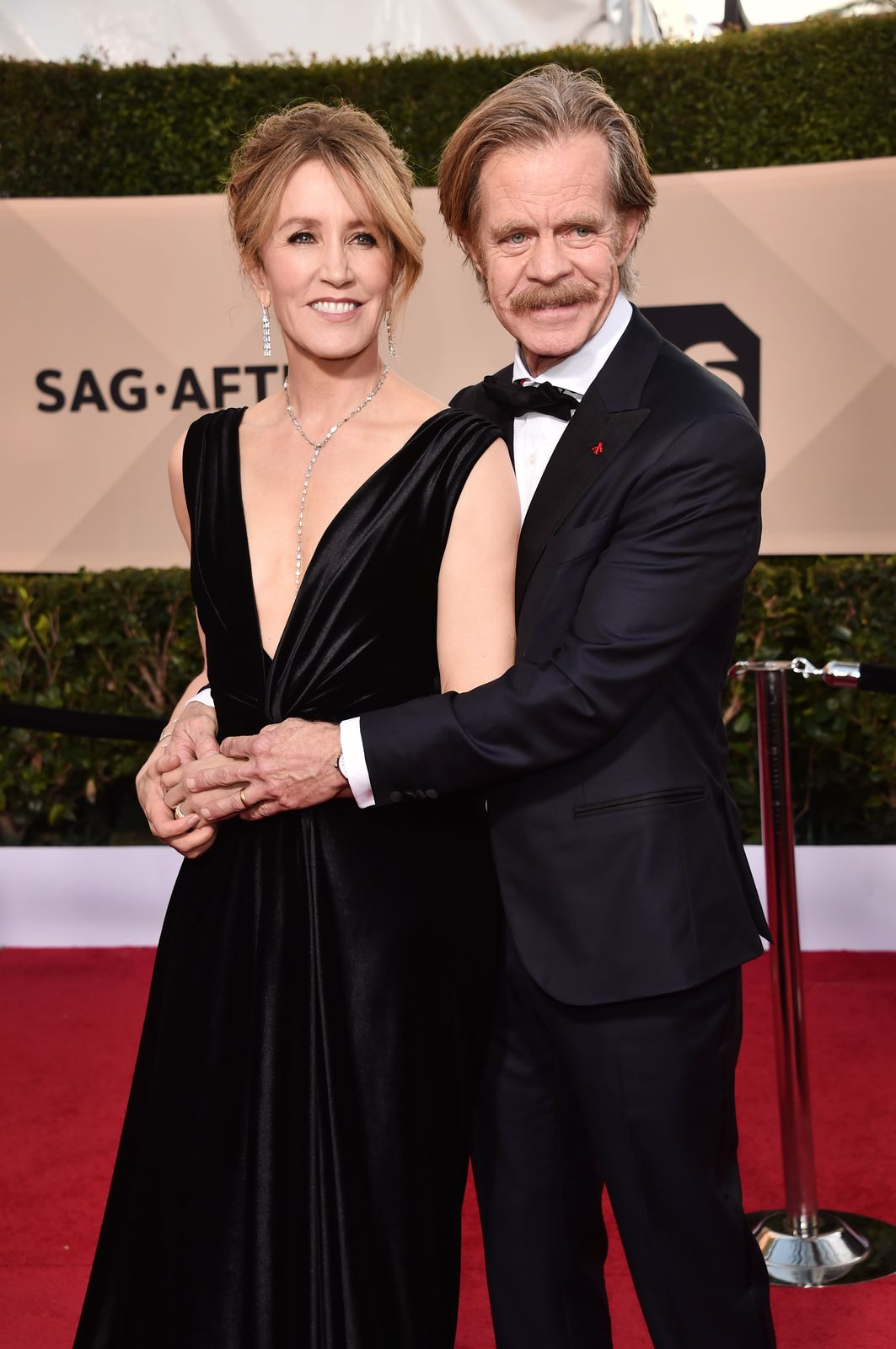 Felicity Huffman and William H. Macy at the 24th Annual Screen Actors Guild Awards on January 21, 2018, in Los Angeles, California | Photo: Alberto E. Rodriguez/Getty Images