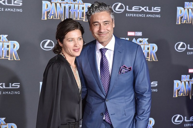 Taika Waititi and Chelsea Winstanley on January 29, 2018 in Hollywood, California | Photo: Getty Images
