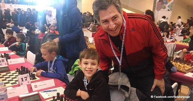 Niño argentino de 8 años se convierte en el mejor jugador de ajedrez del mundo en su categoría