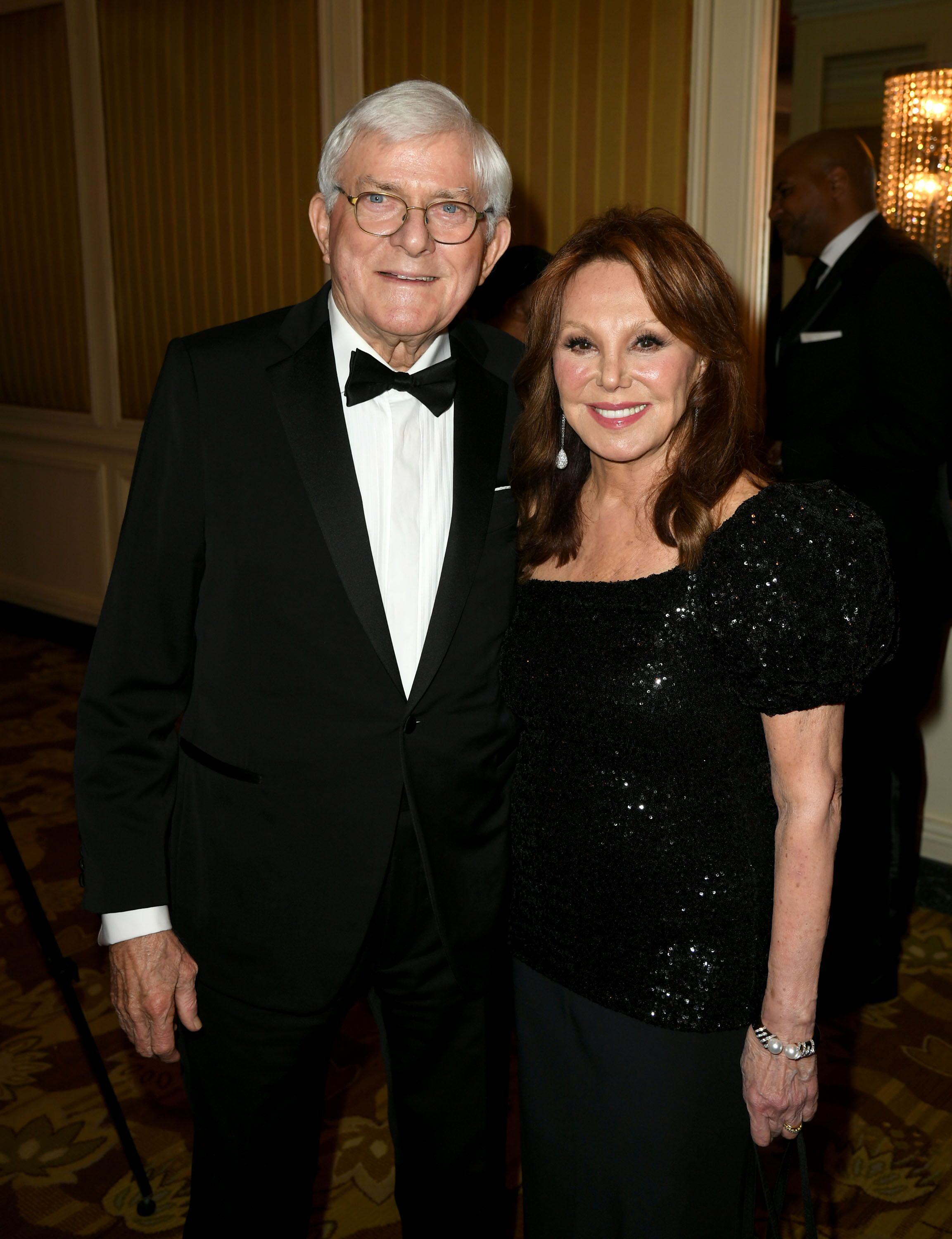 Phil Donahue and Marlo Thomas arrive at the American Icon Awards. | Source: Getty Images