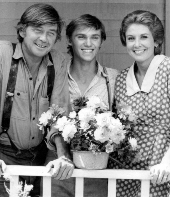 "Ralph Waite, Richard Thomas, and Michael Learned portraying their ""The Waltons"" characters 