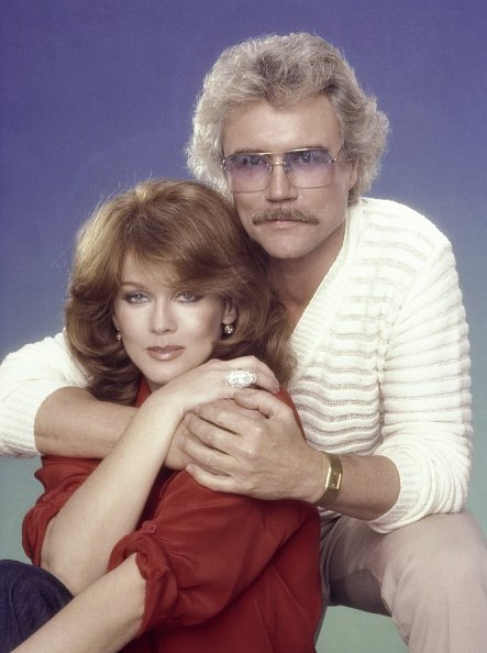 Ann-Margret and Roger smith pose for a portrait in 1980 in Los Angeles, California. | Photo: Getty Images