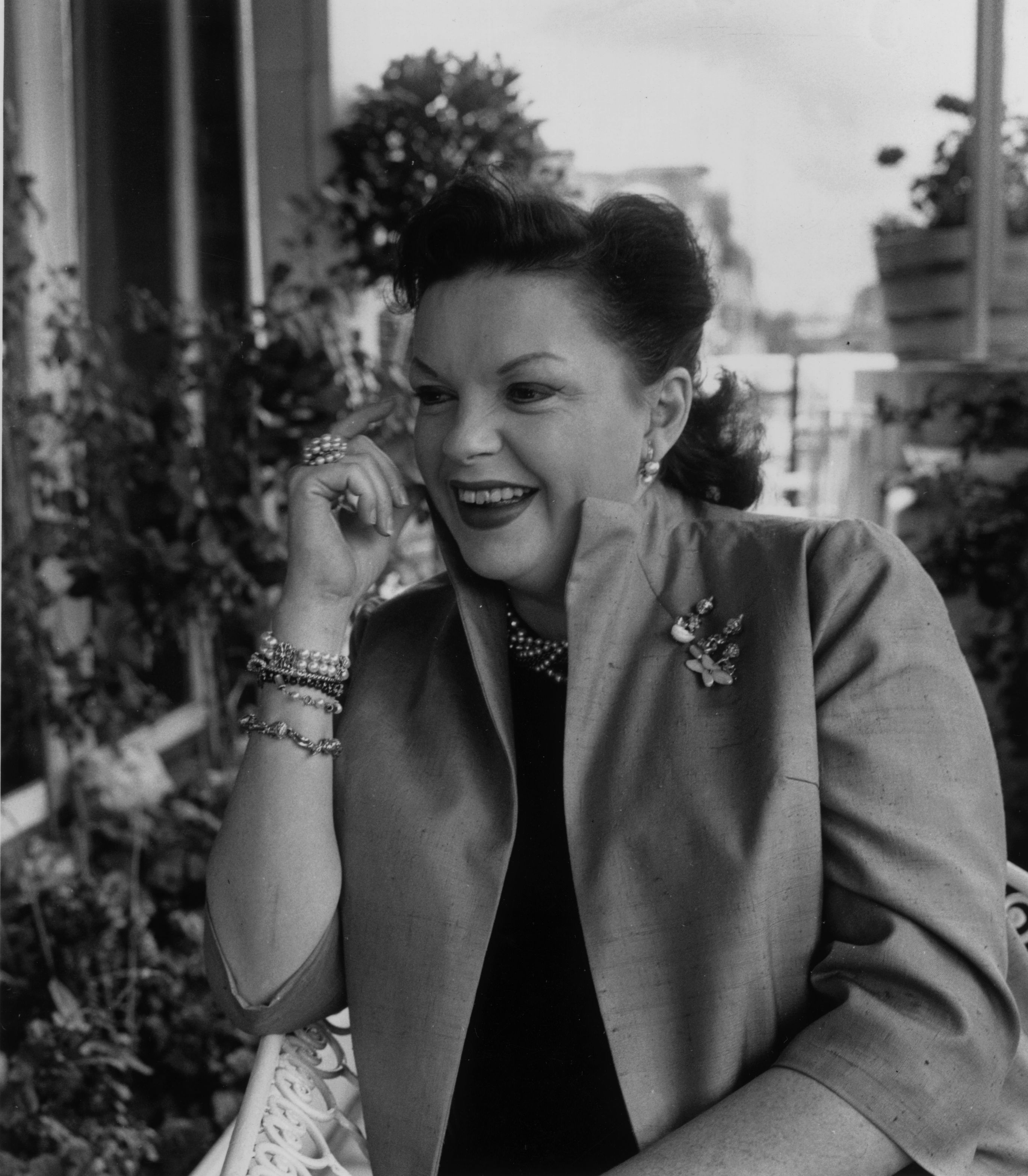 Judy Garland (1922 - 1969) at the Mayfair Hotel, London on August 29, 1960. | Source: Getty Images