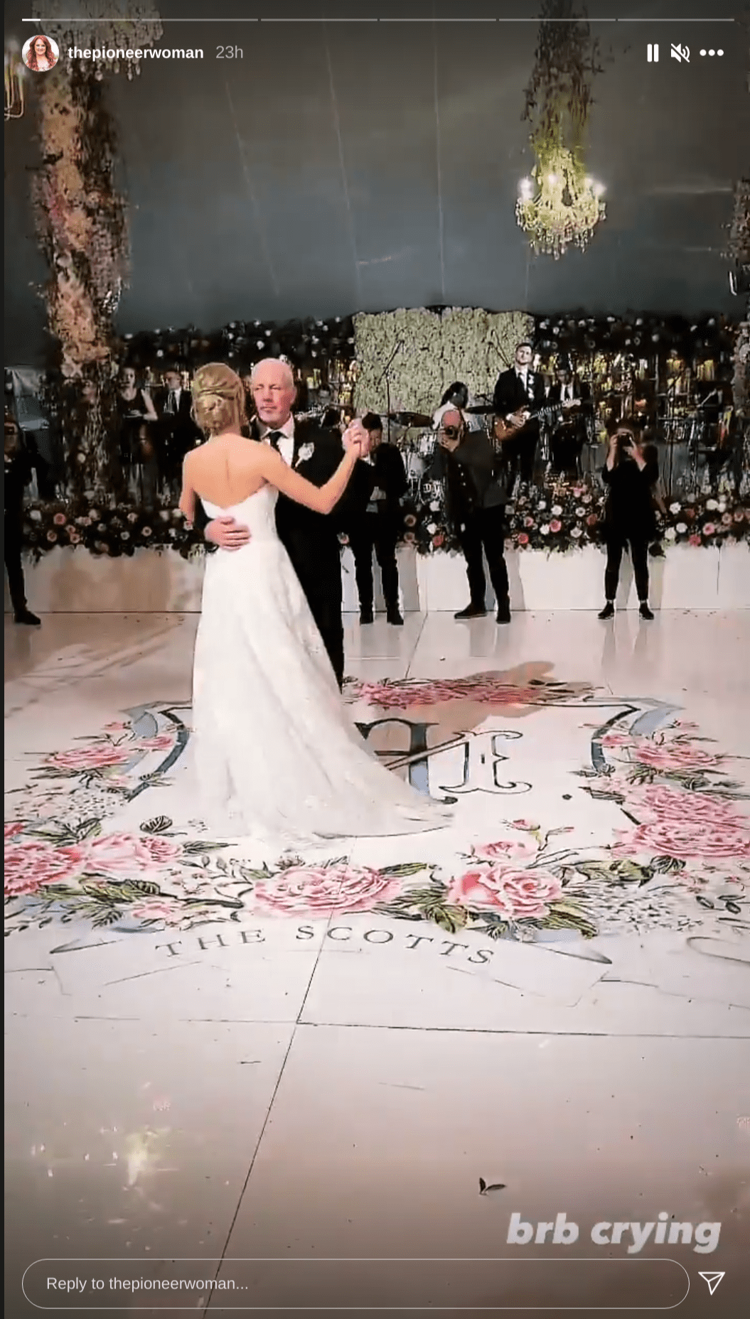 Ree Drummond shared a lovely photo of her husband, Ladd Drummond, dancing with their daughter, Alex, at her wedding, May 2021. | Photo: Instagram/thepioneerwoman/
