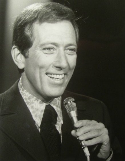 Publicity photo of Andy Williams from his television show circa 1969. | Source: Wikimedia Commons