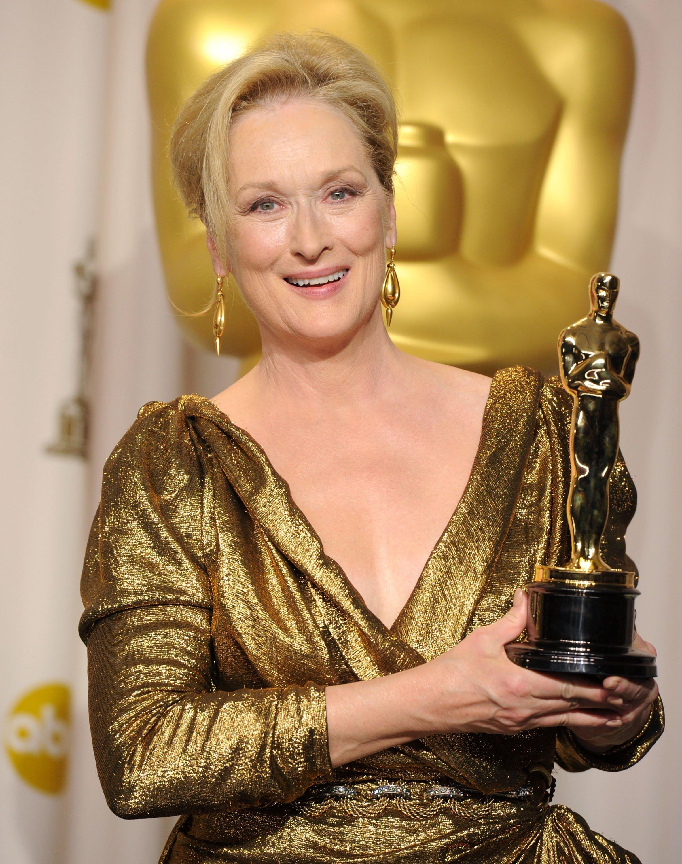 Meryl Streep receives an Oscar | Photo: Getty Images