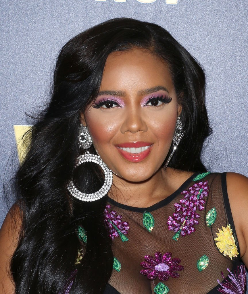 "Angela Simmons at the ""Growing Up Hip Hop: New York"" and ""Untold Stories of Hip Hop"" event 