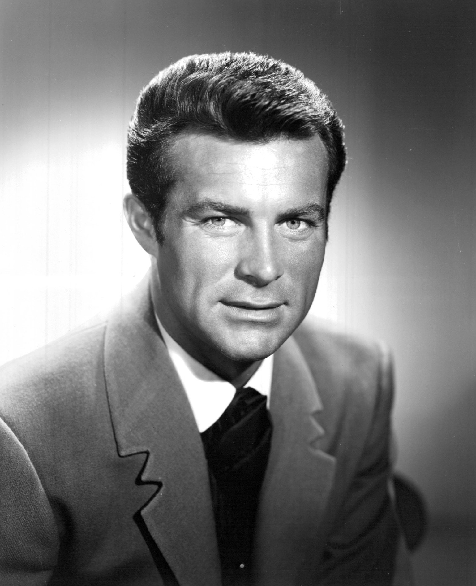 A portrait of Robert Conrad, 1965 | Source: Wikimedia Commons