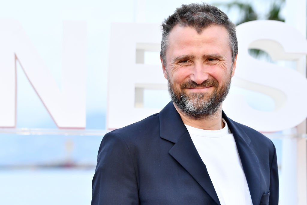 Le comédien Alexandre Brasseur au Festival des séries de Cannes. l Source : Getty Images