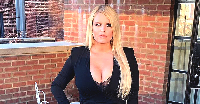 Singer Jessica Simpson Slammed for New Pic That's 'Badly Photoshopped' after 100-Pound Weight Loss