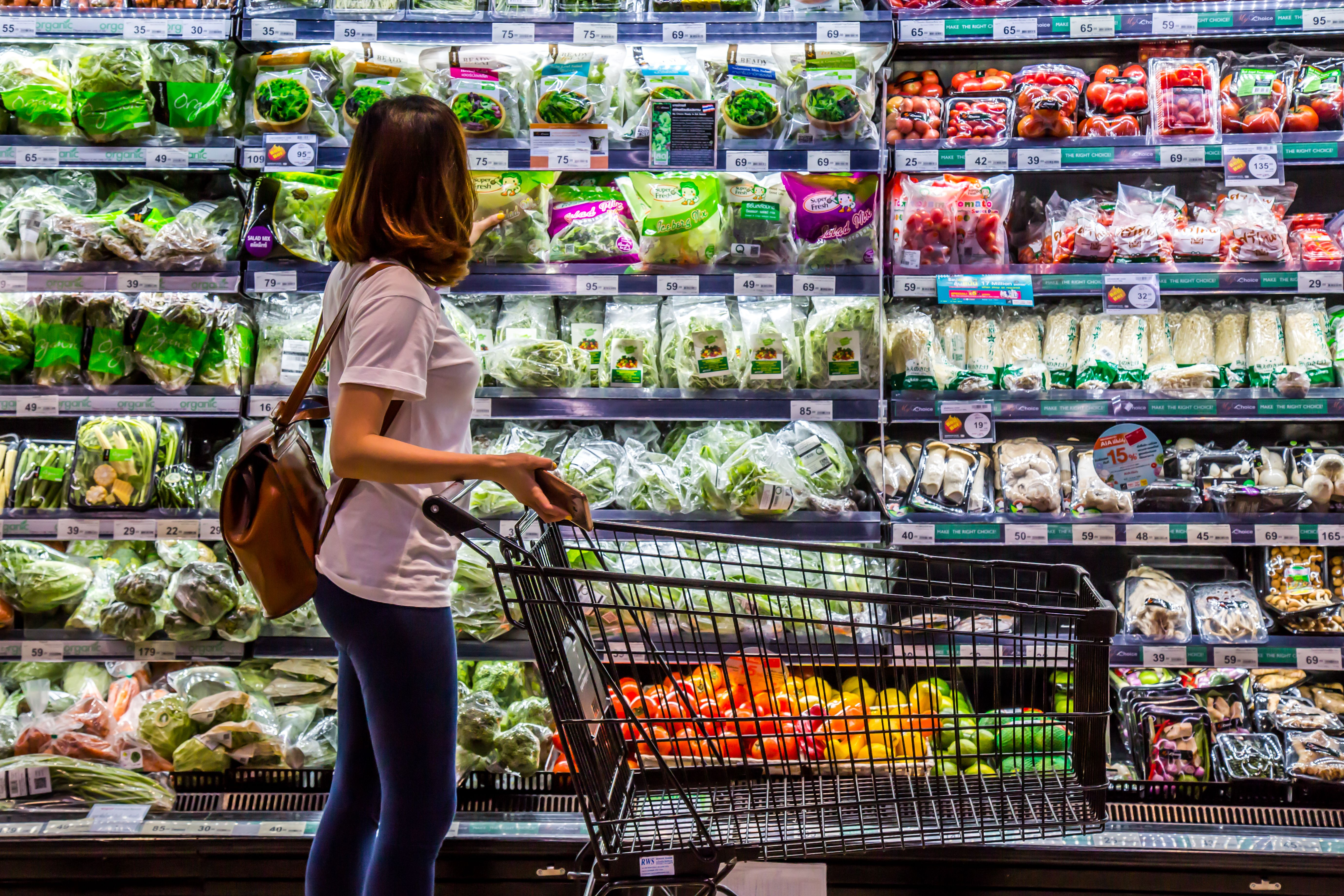 A woman shopping in the grocery. | Source: Shutterstock