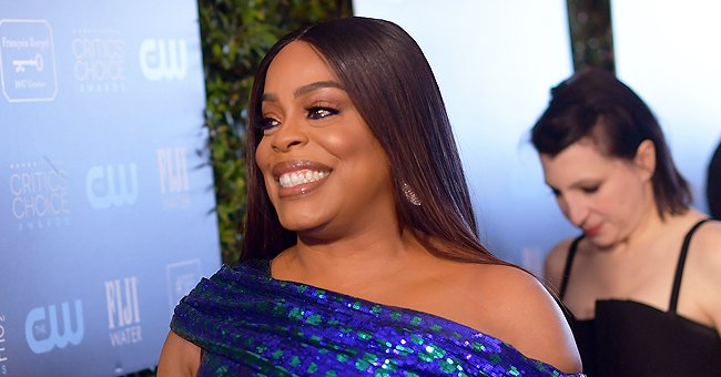 'Claws' Star Niecy Nash Shows off Her Toned Figure Strutting in a Trendy Pink Bikini