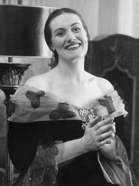 Portrait de la chanteuse d'opéra australienne Joan Sutherland. | Photo : Getty Images
