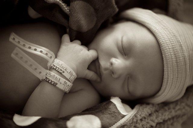 Un nouveau-né l Source: Flickr
