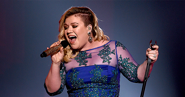 New 'Voice' Coach Kelly Clarkson Says 'American Idol' Season 1 Was Not Fun in the Beginning