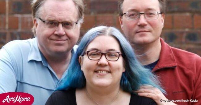 Une femme de 44 ans a publiquement déclaré être en couple avec 4 hommes: son mari, son fiancé, et deux petits-amis