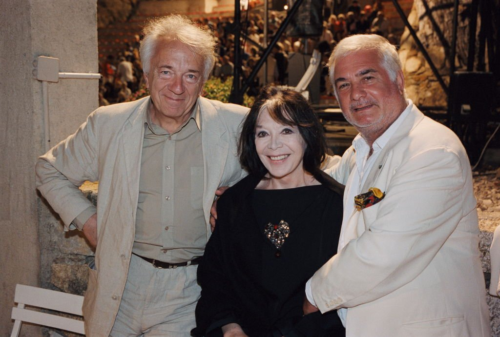 Jean-Pierre Cassel, Juliette GRECO and Jean-Claude BRIALY festival Ramatuelle. | Photo : Getty Images