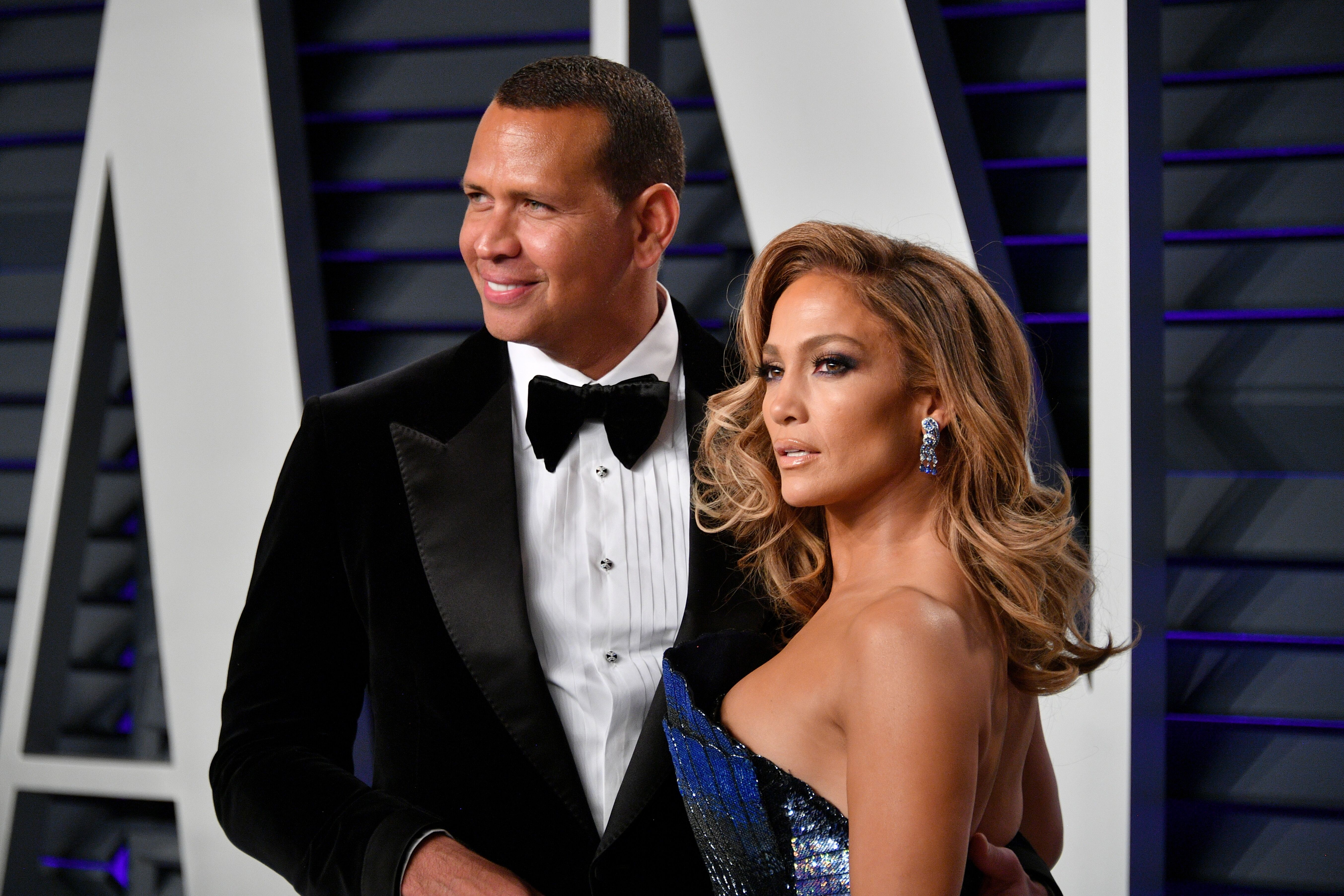 Alex Rodriguez and Jennifer Lopez attend the 2019 Vanity Fair Oscar Party hosted by Radhika Jones at Wallis Annenberg Center for the Performing Arts on February 24, 2019 | Photo: Getty Images
