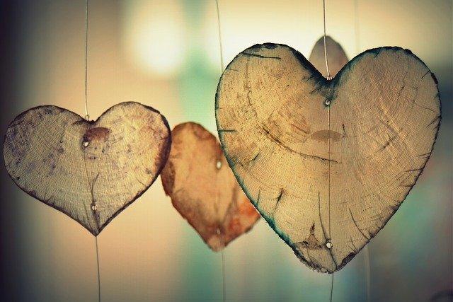 Adornos en forma de corazón. |Imagen:  Pixabay
