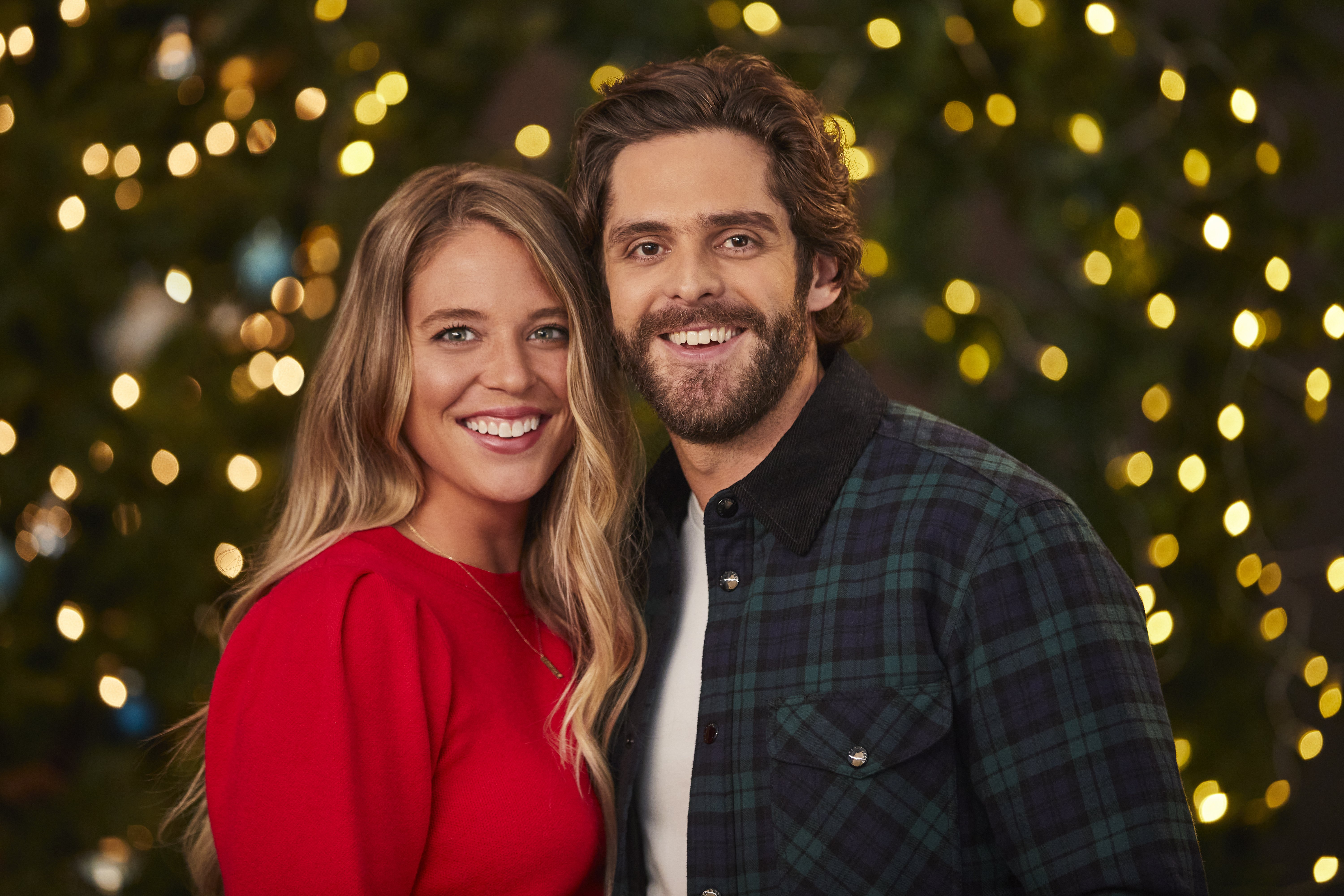 Country singer Thomas Rhett Akins and his wife Lauren Akins | Source: Getty Images