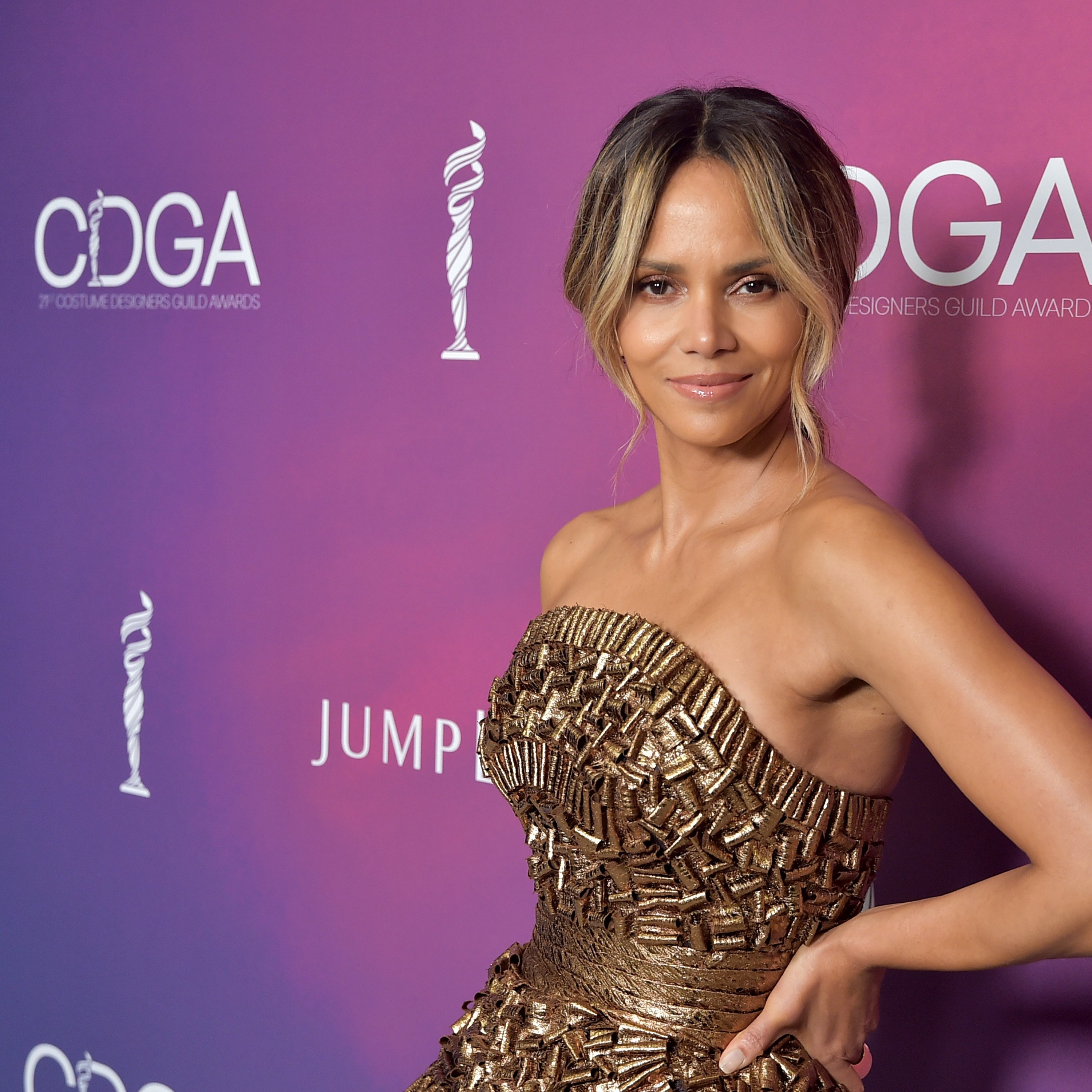Halle Berry at The 21st CDGA (Costume Designers Guild Awards) on Feb. 19, 2019 in California | Photo: Getty Images