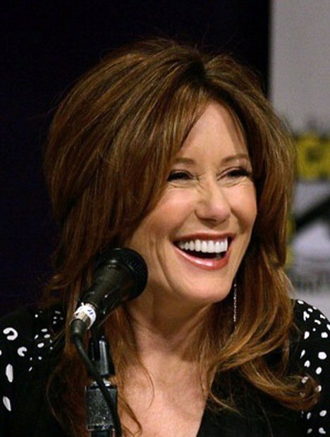 Mary McDonnell at the Battlestar Galactica Panel San Diego Comic-Con in 2007. | Source: Wikimedia Commons
