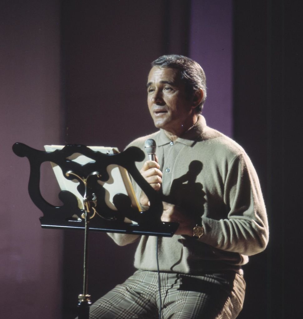 American Singer Perry Como on stage | Getty Images