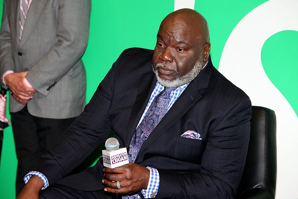 """Bishop T.D. Jakes speaks to radio listeners of Inspiration 1390 AM """"Sprite Lounge"""" in Chicago on May 13, 2014. 