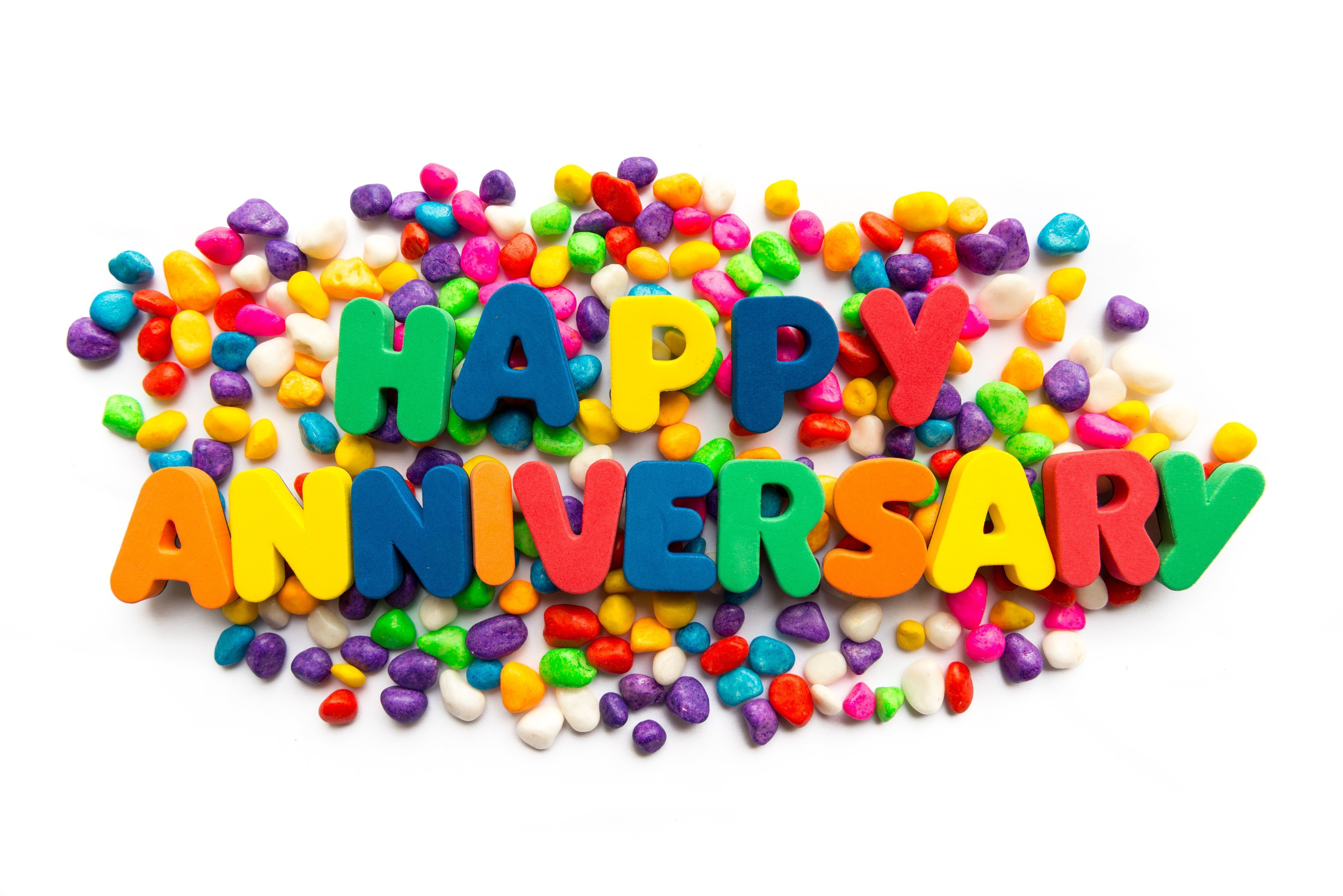 Close-Up photo of a colorful Happy Anniversary text | Photo: Getty Images