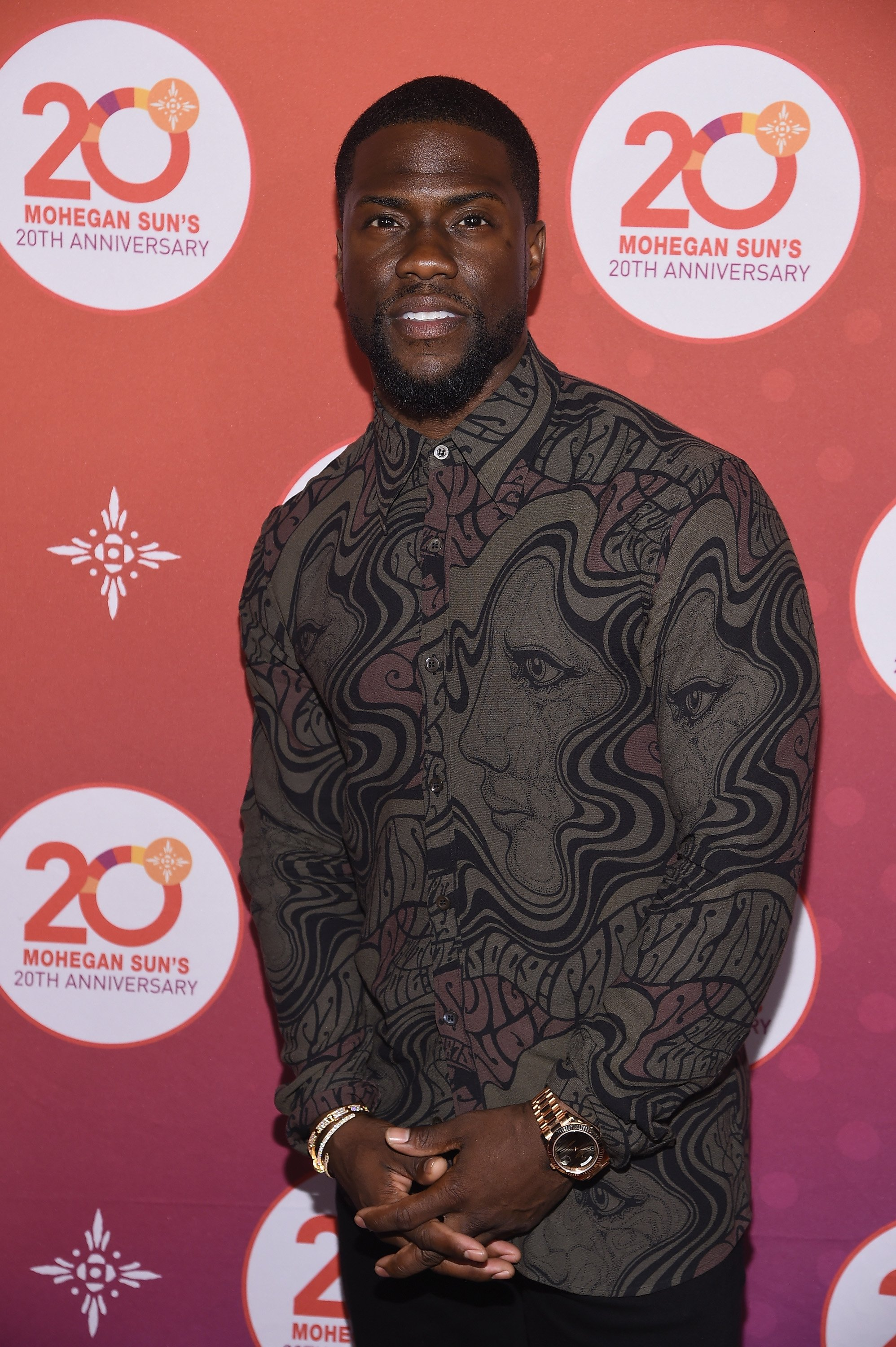 Kevin Hart walks the red carpet before the Kevin Hart Official After Party with DJ Ruckus for Mohegan Sun's 20th Anniversary on October 14, 2016, in Uncasville, Connecticut. | Source: Getty Images.