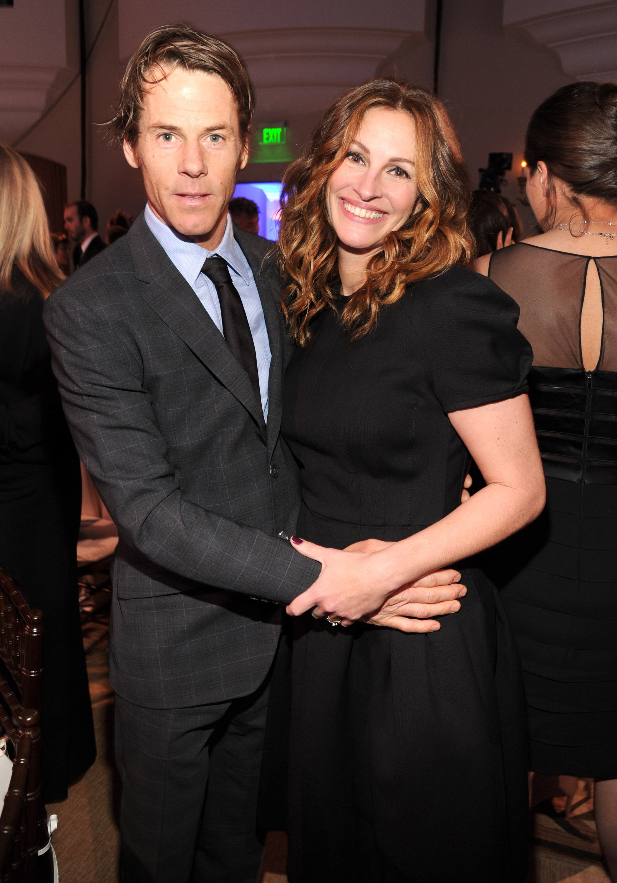 Danny Moder and Julia Roberts attend the 3rd annual Sean Penn & Friends HELP HAITI HOME Gala benefiting J/P HRO presented by Giorgio Armani at Montage Beverly Hills on January 11, 2014, in Beverly Hills, California. | Source: Getty Images.