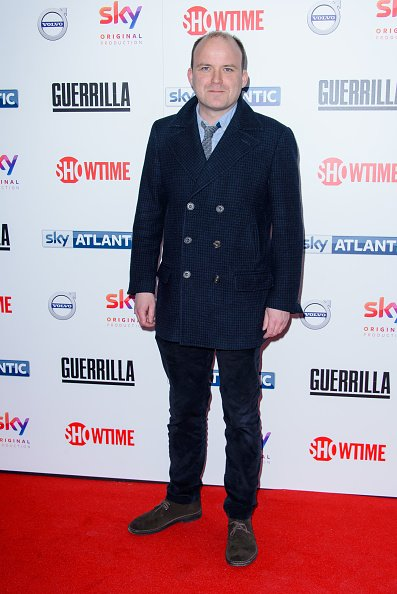 "Rory Kinnear assiste à la première britannique de ""Guerrilla"". 