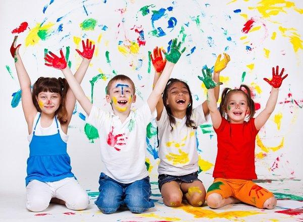 Niños pintados de colores-Imagen tomada de Wikipedia